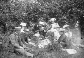 [A picnic on Sumas Prairie to celebrate the coronation of King Edward VII]