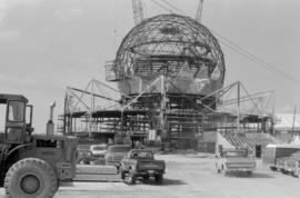Sept. 84 : Angles [construction of Expo Centre]