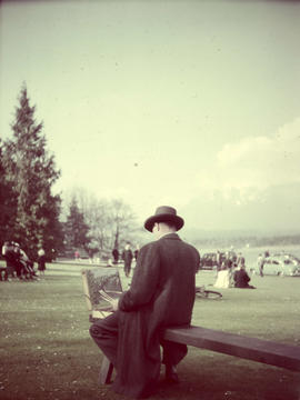 Stanley Park, painter on bench