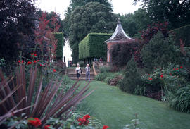 Gardens - United Kingdom : red border, Hidcote