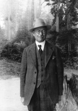 [Portrait of L.D. Taylor in forest]