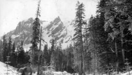 Crown Mountain from the fork of Lynn Creek