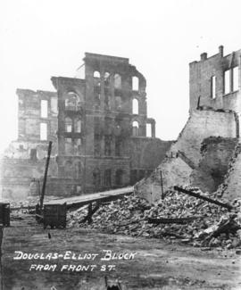 Douglas-Elliot block from Front St. [after fire of September 10, 1898]