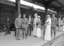 29th military [departure - with women on railway station platform]