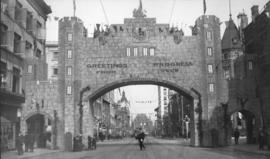 [Progress Club arch on Granville Street for the visit of the Duke of Connaught]