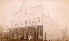[Exterior of the Sunny side Hotel - 1 Water Street]
