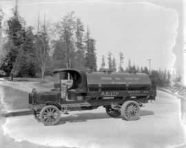 Union Oil Co. of Canada Ltd. [oil] truck