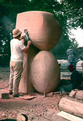 Sculptures and Art : David Marshall at work