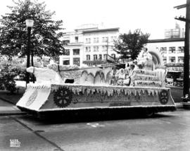Parade float for Rotary's Mammoth Ice Carnival