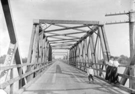 [Wilfred Cornish, Muriel Cornish, and Ethel Tait on Marpole Bridge]