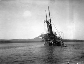 "[The sinking of the S.S. ""Cutch"" 25 miles south of Juneau]"