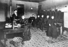 [B.C. Telephone Company staff at switchboards in office in Lefevre Block]
