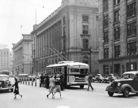[1940 Seattle trolley bus built by Twin Coach on demonstration for the Cleveland Railway Company]