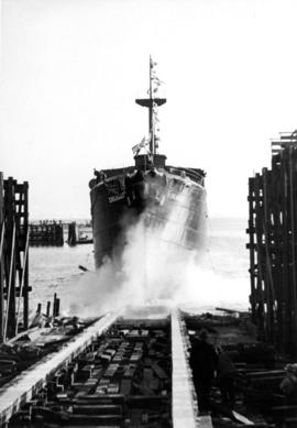 "[S.S. ""Chilkoot"" (II) launching at Victoria Machinery Depot]"