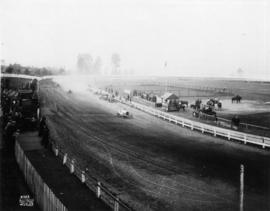 Motor car race at Hastings Park racetrack