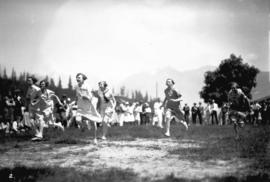 Seaforth picnic [women's foot race]