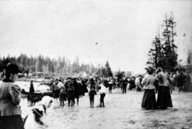 [Crowds leaving English Bay Beach after a baptism]