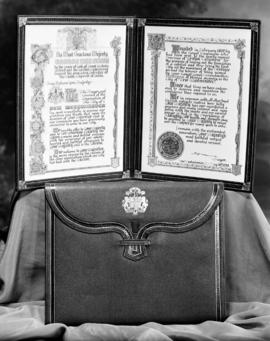 Address of Welcome [and presentation case for] King George VI and Queen Elizabeth from the City o...