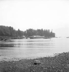 [Union Steamships boat docked at Bowen Island]