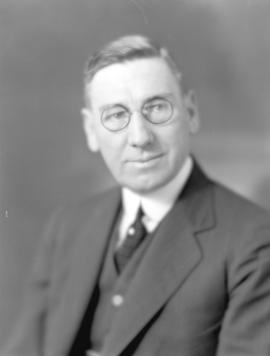[Head and shoulders portrait of Mayor R.H. Gale]