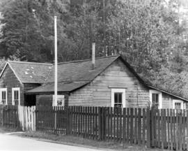 [Exterior of Tim and Agnes Cumming's cottage near Brockton Point at Stanley Park]