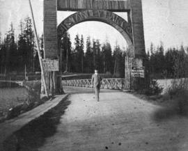 [Entrance arch to Stanley Park]