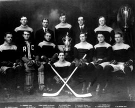 Vancouver Rowing Club Hockey Team, 1912-1913