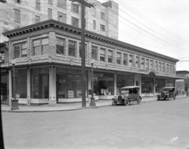 [Lawsen building at the northeast corner of Seymour and Dunsmuir Streets]