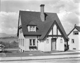[Job no. 333 : Photograph of  house at 1991 Quilchena Cr., Vancouver B.C.]