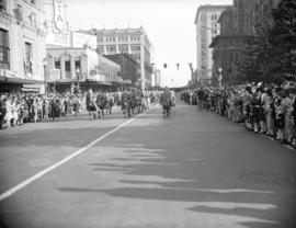 Seaforth [Highlanders] homecoming [parade on Georgia Street]