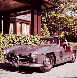 Mercedes 300 SL Gullwing Coupe parked outside of house at 1402 McRae Avenue