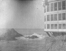 [Seal rocks and Cliff House in San Francisco]