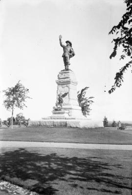Jacques Cartier statue, Ottawa