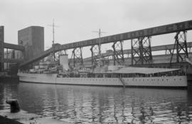 "[Warship ""Orion"" at Vancouver Harbour Commissioners dock]"