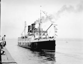 """Lady Cynthia"" Union Steamship Co. Ltd. [leaving dock]"
