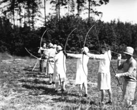 Archery competition [women archers]