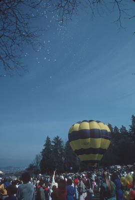 Crowd watching hot air balloon at Stanley Park