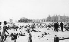 [Bathers and pier], English Bay, Vancouver, B.C.