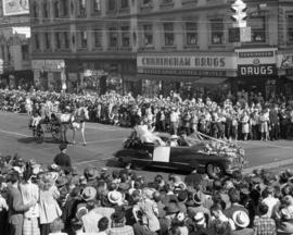 Car carrying Portland Rose Festival Queen in 1947 P.N.E. Opening Day Parade
