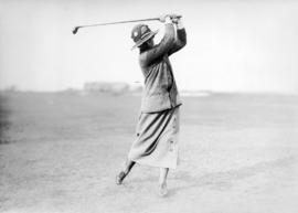 [Mrs. G.F. Laing teeing off at the Jericho Country Club golf course]