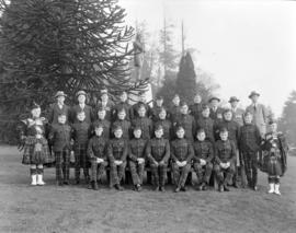 Seaforth's Sergeants at Burns' Statue, Stanley Park