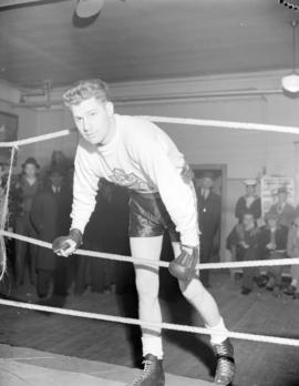 Len Wadsworth middleweight boxing champ of Canada