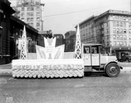 J. W. Kelly Piano Co. parade float