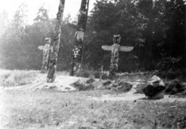 [View of totem poles at Capilano Canyon]