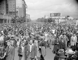 [Crowds at Georgia and Burrard Streets]