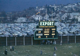 [Score board, Hamilton versus Winnipeg, football at 1958 Grey Cup game]