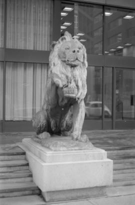Royal General Insurance Co. - left lion