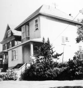 [Exterior of 850 East 12th Avenue (formerly James McGeer's residence)]