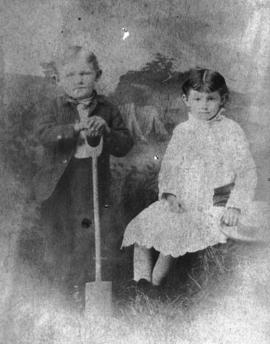 [Studio portrait of Joseph Morton and Elizabeth Morton, children of John Morton]