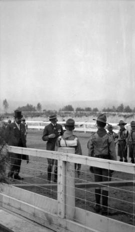 [General Baden-Powell and boy scouts at a scout rally in Hastings Park]